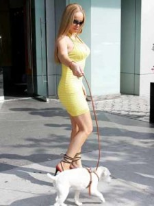 Mariah Carey with her Russell Terrier